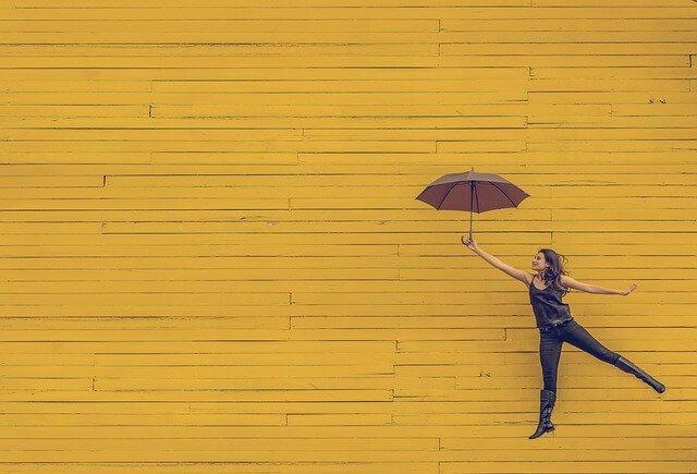さかさま傘が大人気 梅雨や秋雨の必須アイテムになる4つの理由